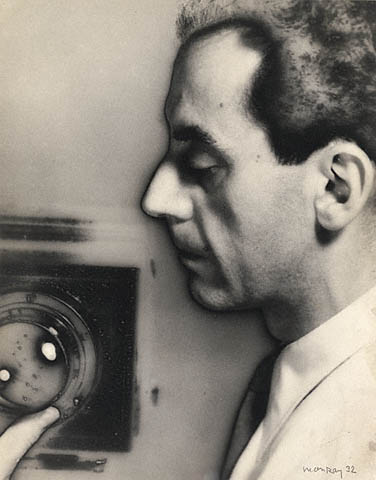man-ray-self-portrait-with-camera-1932