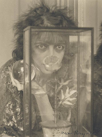 man-ray-the-marquise-casati-1922